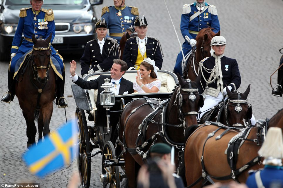 The carriage tour from the Royal Palace of Stockholm to Riddarholmen Il giro in carrozza dal Palazzo Reale al Riddarholmen