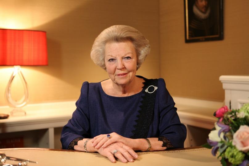 La Regina Beatrice d'Olanda ha annunciato che abdicherà il 30 aprile in favore del figlio il Principe Willem-Alexander di Orange Queen Beatrix has announced that she will abdicate on 30 April 2013 in favor of her oldest son,  Prince Willem-Alexander of Orange