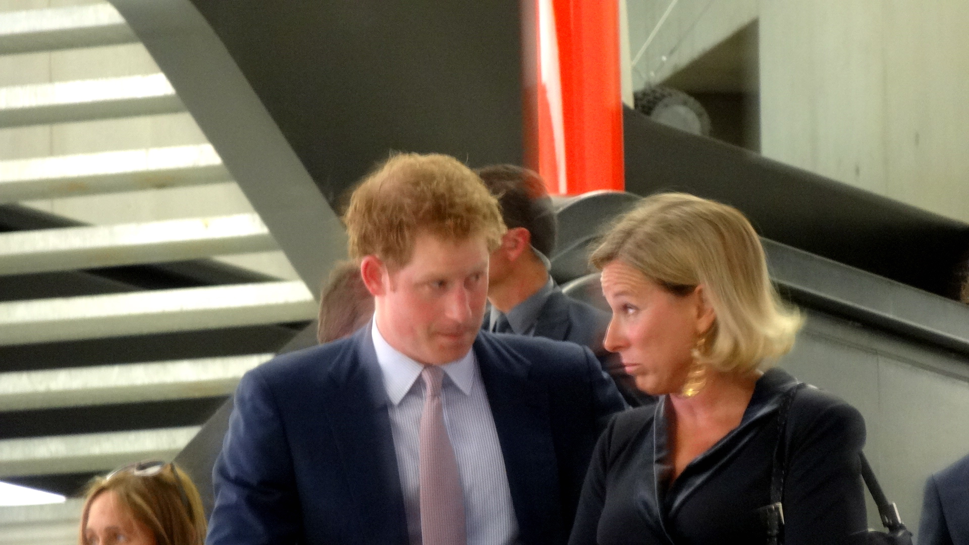 Stessa espressione (Principe Harry e Giovanna Melandri, presidente fondazione Maxxi) Same expression (Prince Harry and Giovanna Melandri, president of Maxxi foundation )