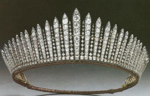 La tiara da sposa della Regina Elisabetta